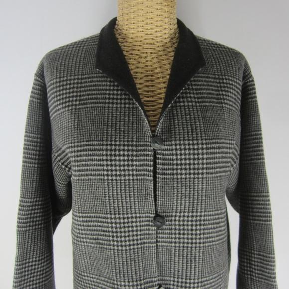 L.L. Bean Jackets & Blazers - L.L. Bean Medium Black Houndstooth Wool Jacket